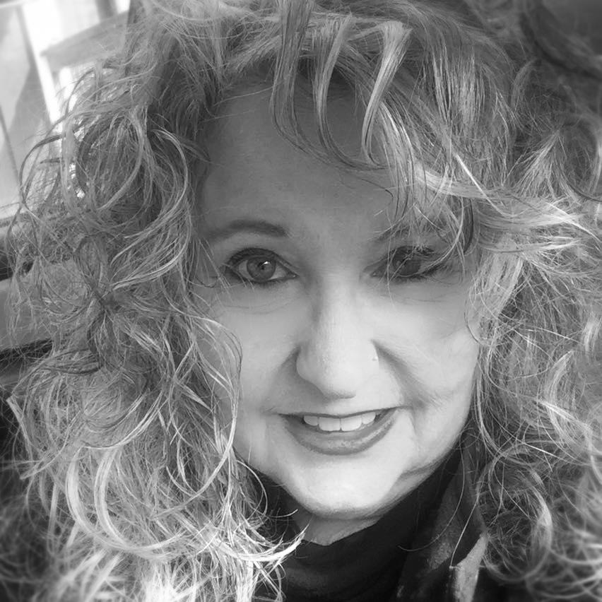 Lori Bio Pic